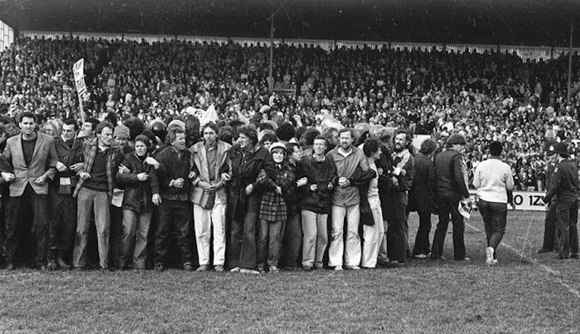HART-Protesters-Rugby-Park-Hamilton-1981