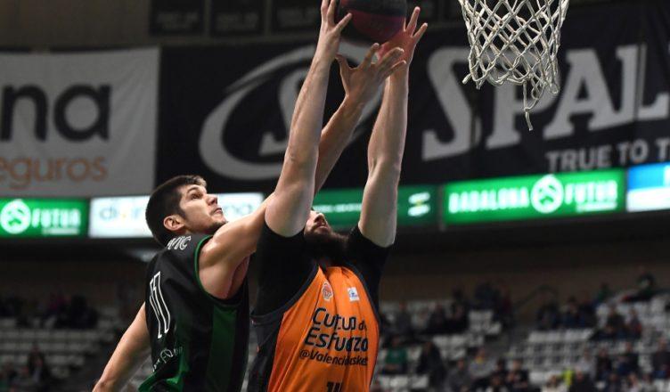 Marko Todorovic trata de taponar a Dubljevic