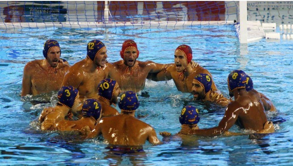 España celebra victoria sobre Croacia en el mundial de waterpolo